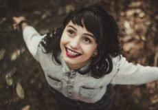 Dankbarkeit - Woman smiling